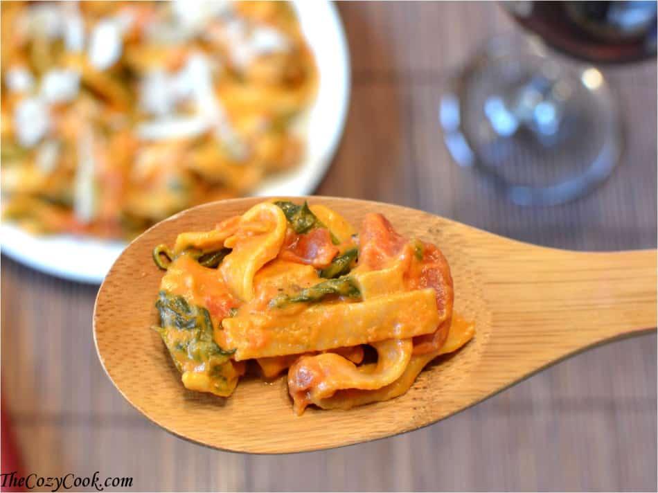 Creamy tomato spinach pasta the cozy cook for Creamy spinach pasta bake