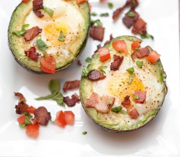 avocado-baked-eggs