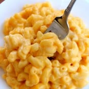 Crock Pot Mac & Cheese {Extra Creamy!}