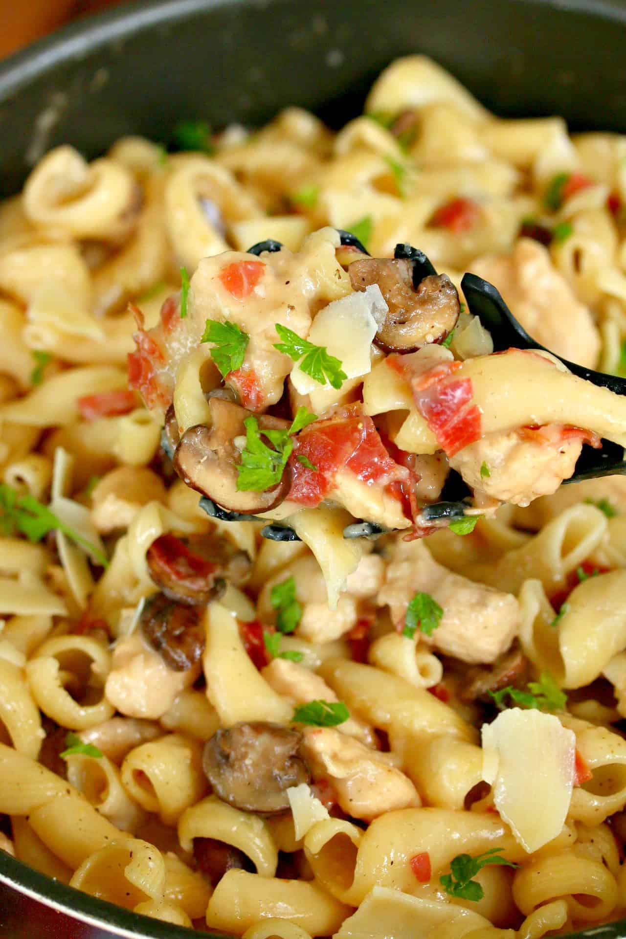 Chicken-Marsala-Pasta.