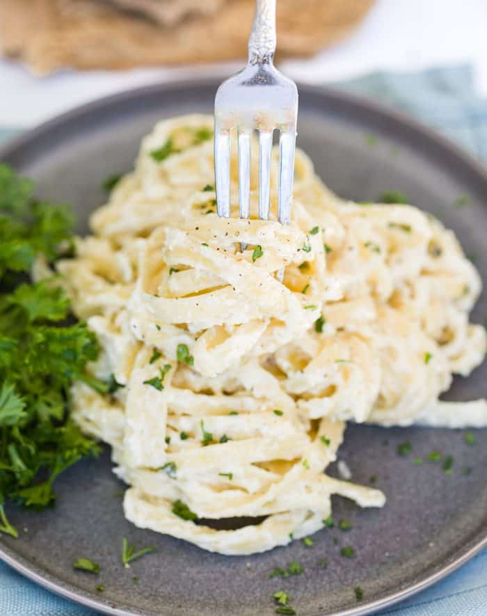 Olive Garden Alfredo Sauce - The Cozy Cook
